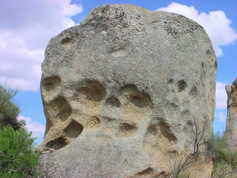 Alvéolos erosivos en roca granítica - Celtiberia.net