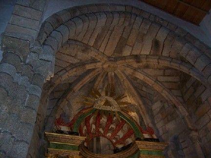 Bóveda que cubre el ábside de san pedro de soandres. laracha (coruña).