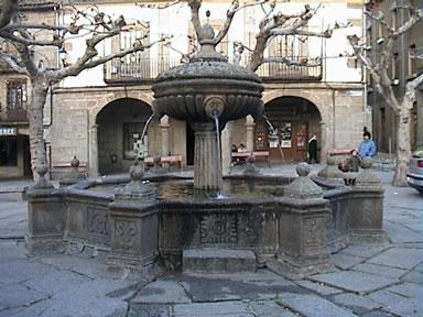 Plaza Im809256294-Fuente_JPG